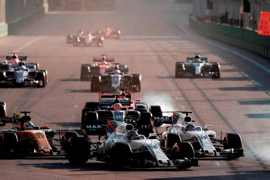 O GP do Azerbaij?o foi um dos mais acidentados da temporada. Foto: Glenn Dunbar -Williams