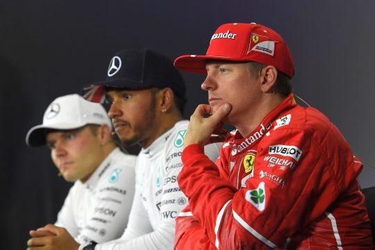 O finland?s Kimi Haikkonen teve um pneu dianteiro furado a poucas voltas do final, mas conseguiu manter a terceira posi??o no GP da Inglaterra. Foto: Ferrari