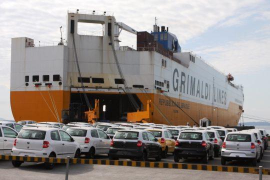 As exportações de autoveículos estão ajudando as montadoras a manter os empregos e minimizar a capacidade ociosa. Foto: Divulgação
