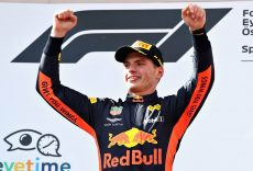 SPIELBERG, AUSTRIA - JULY 01:  Race winner Max Verstappen of Netherlands and Red Bull Racing celebrates on the podium during the Formula One Grand Prix of Austria at Red Bull Ring on July 1, 2018 in Spielberg, Austria.  (Photo by Mark Thompson/Getty Images) // Getty Images / Red Bull Content Pool  // AP-1W54ZB3BN2111 // Usage for editorial use only // Please go to www.redbullcontentpool.com for further information. //