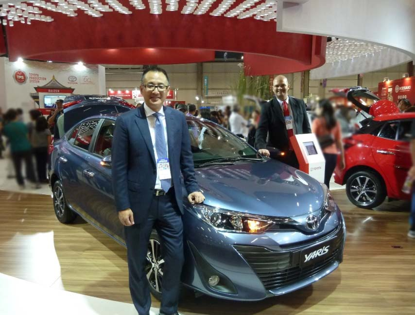 Rafael Change - presidente da Toyota do Brasil e Venezuela e Otacílio Nascimento da área de Relações Públicas da Toyota. Foto: Amauri Yamazaki